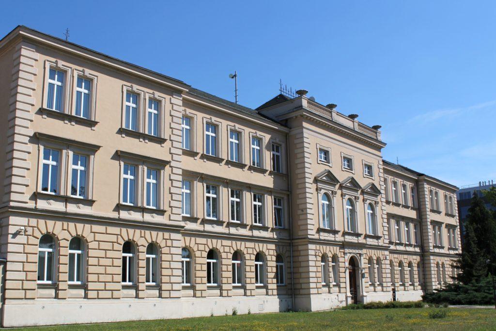 Fotografie budovy Okresního státního zastupitelství v Olomouci