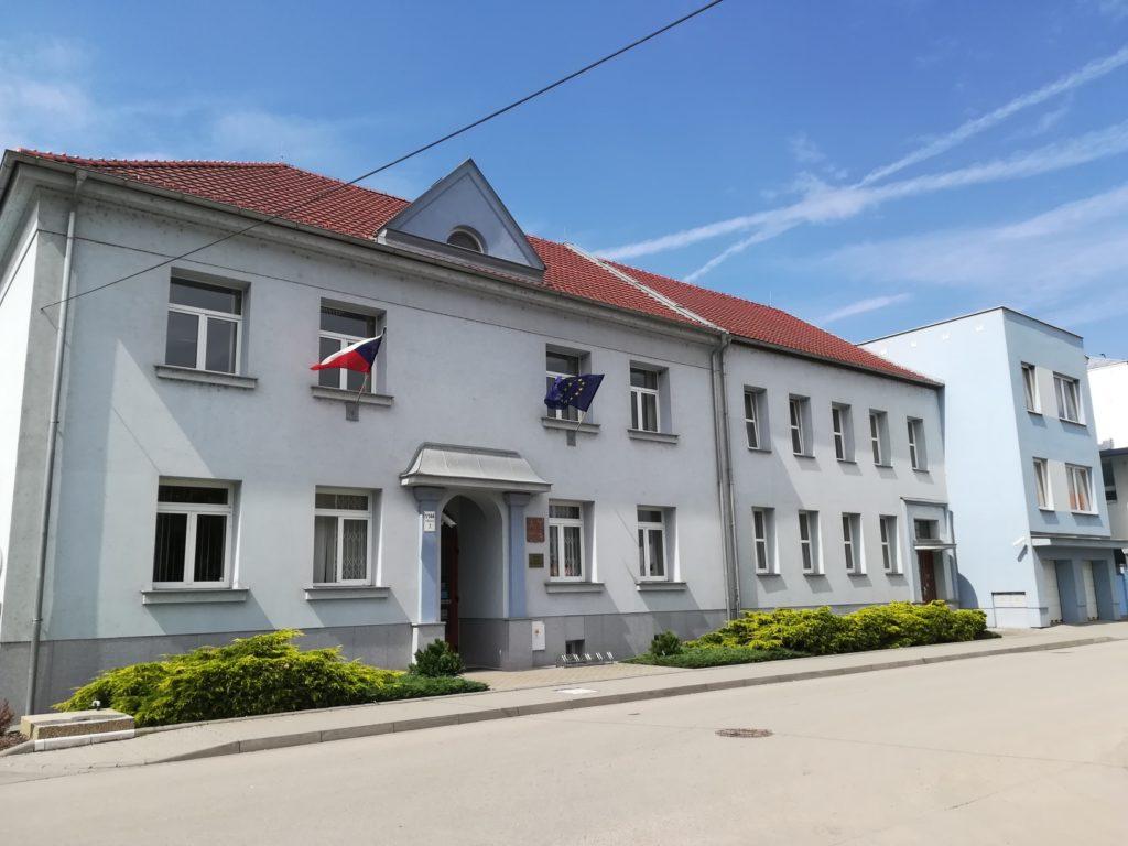 Fotografie budovy Okresního státního zastupitelství v Břeclavi.