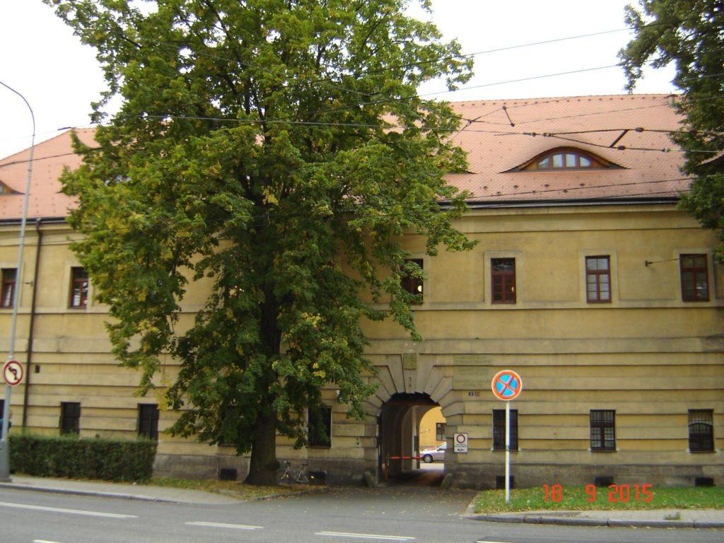 Fotografie budovy Okresního státního zastupitelství v Hradci Králové