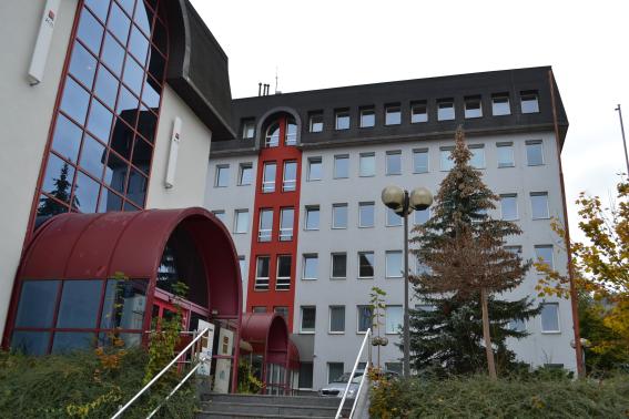 Fotografie budovy Okresního státního zastupitelství v Semilech