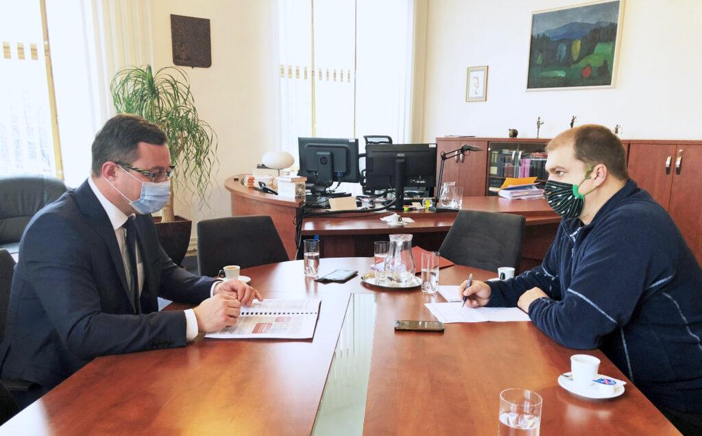 Fotografie - Pavel Zeman v rozhovoru s redaktorem Radimem vaculíkem
